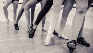 Hagyományos latin női magas sarkú cipő kubai sarkú velúr